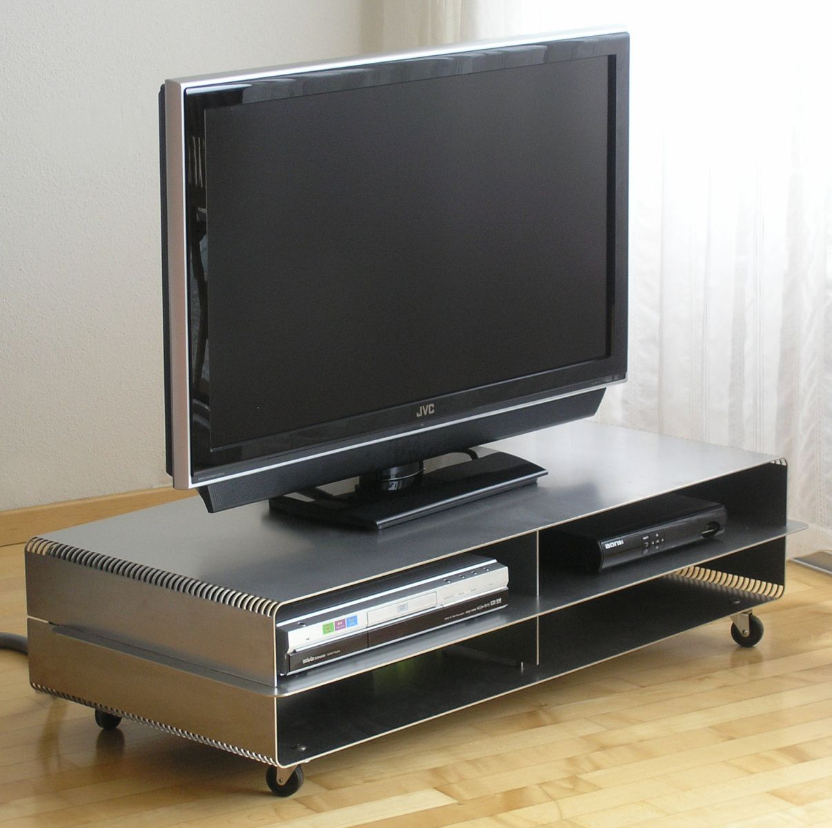 tv m bel wagen xl edelstahl. Black Bedroom Furniture Sets. Home Design Ideas